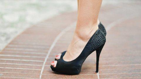 5 Ways To Reduce Heel Pain From Wearing High Heels