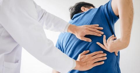 Back Doctors Explain How to Lift Heavy Objects Correctly